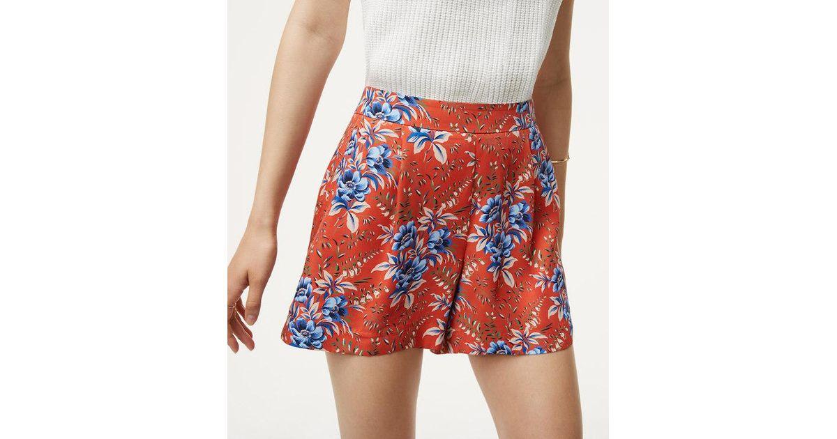6d3a579925 LOFT Multicolor Floral Pleated Shorts