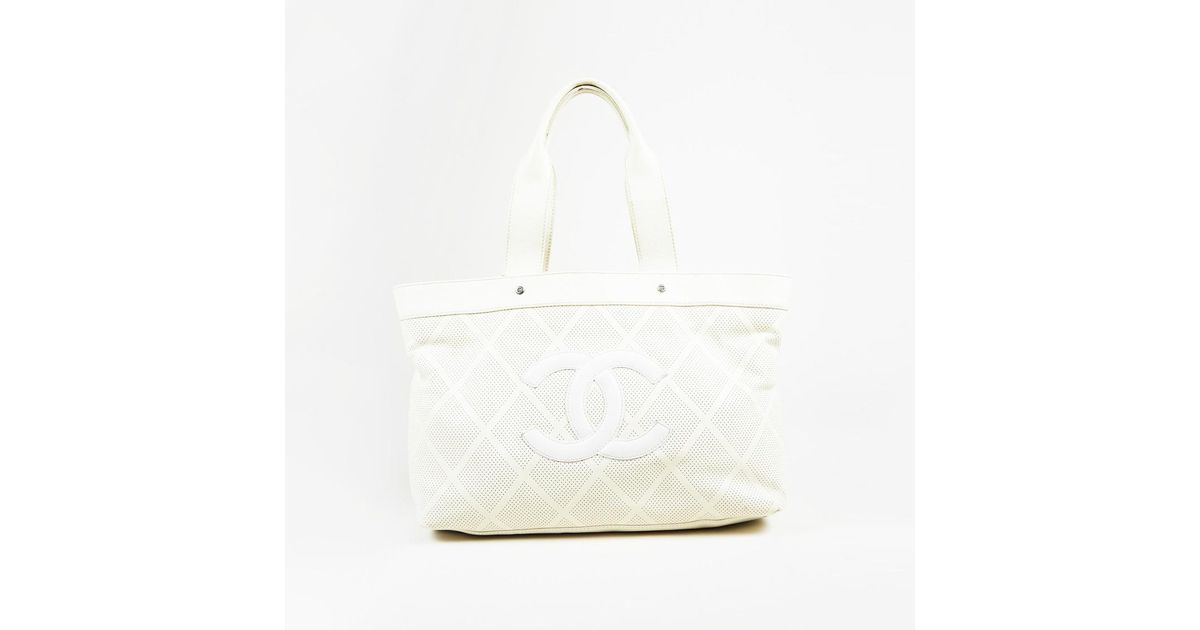 b001f908074 Chanel Cream & White Leather Perforated Quilt 'cc' Medium Tote Bag in White  - Lyst