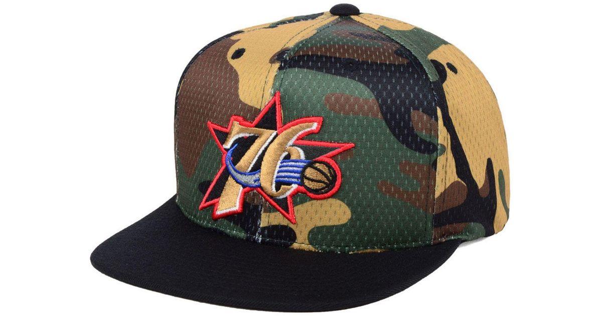 online store 86ecd 95141 Lyst - Mitchell   Ness Philadelphia 76ers Woodland Camo Hook Snapback Cap  for Men