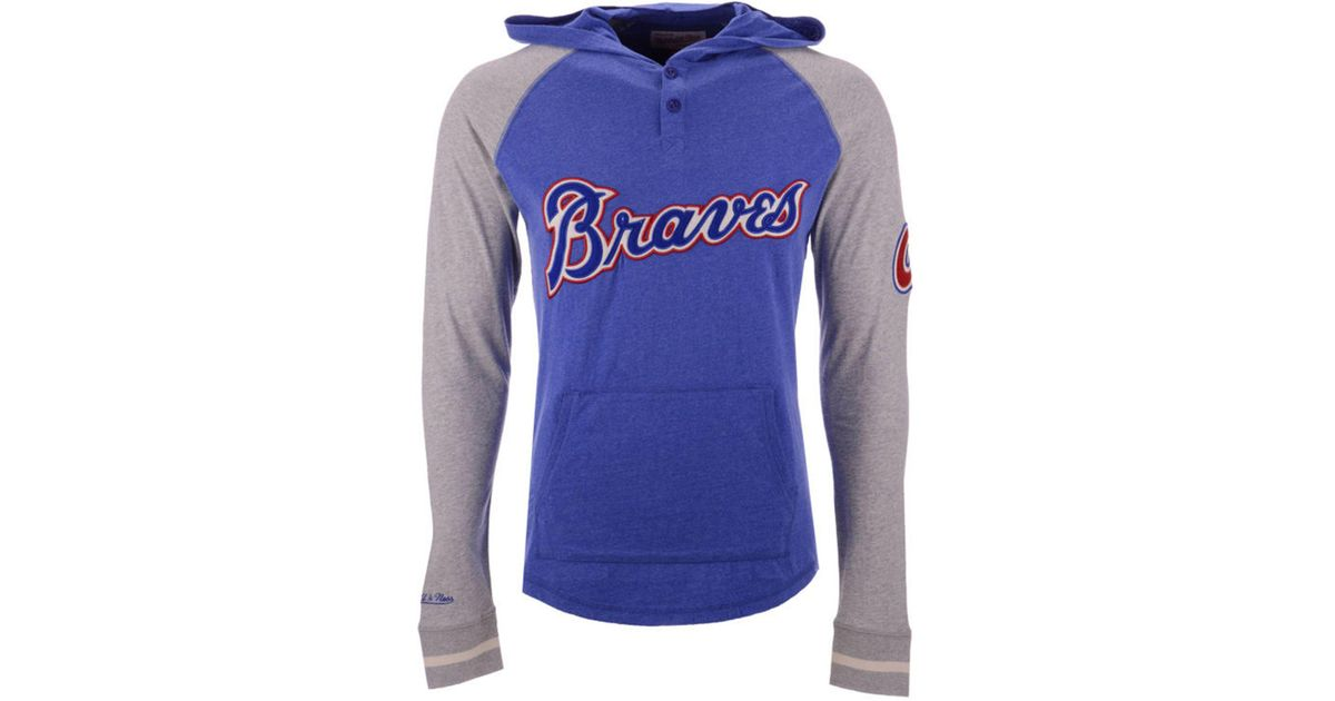uk availability 661b5 45a22 Mitchell   Ness Atlanta Braves Slugfest Lightweight Hooded Long Sleeve T- shirt in Blue for Men - Lyst