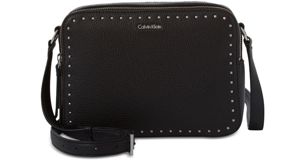 9d6c5f8523 CALVIN KLEIN 205W39NYC Avery Crossbody Camera Bag in Black - Lyst