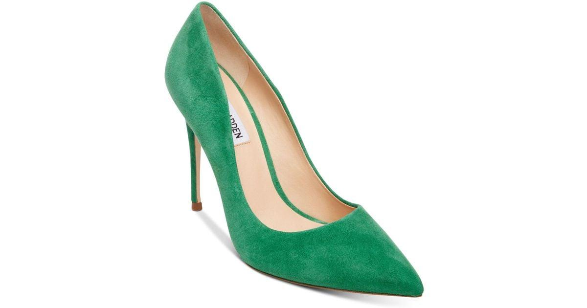 Daisie Pumps in Green Suede