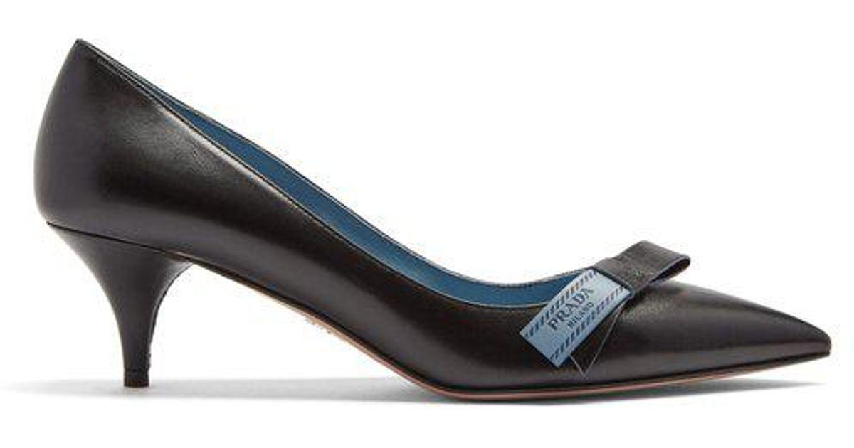 d9189deb528 Lyst - Prada Logo Bow-embellished Kitten-heel Leather Pumps in Black