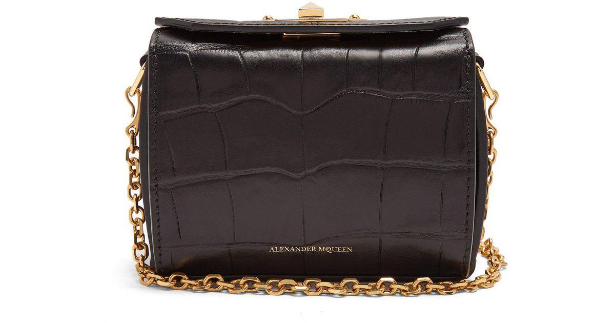 Lyst - Sac en cuir effet crocodile Box Bag nano Alexander McQueen en  coloris Noir 317851202d2