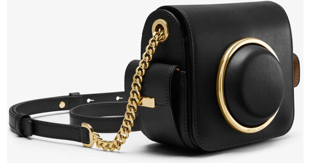 fa3f312546d9 Michael Kors Scout Medium Leather Camera Bag in Black - Lyst