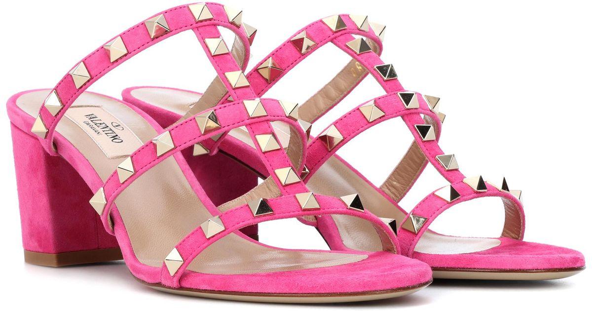 0084ec68092cbf Valentino Rockstud Suede Sandals in Pink - Lyst