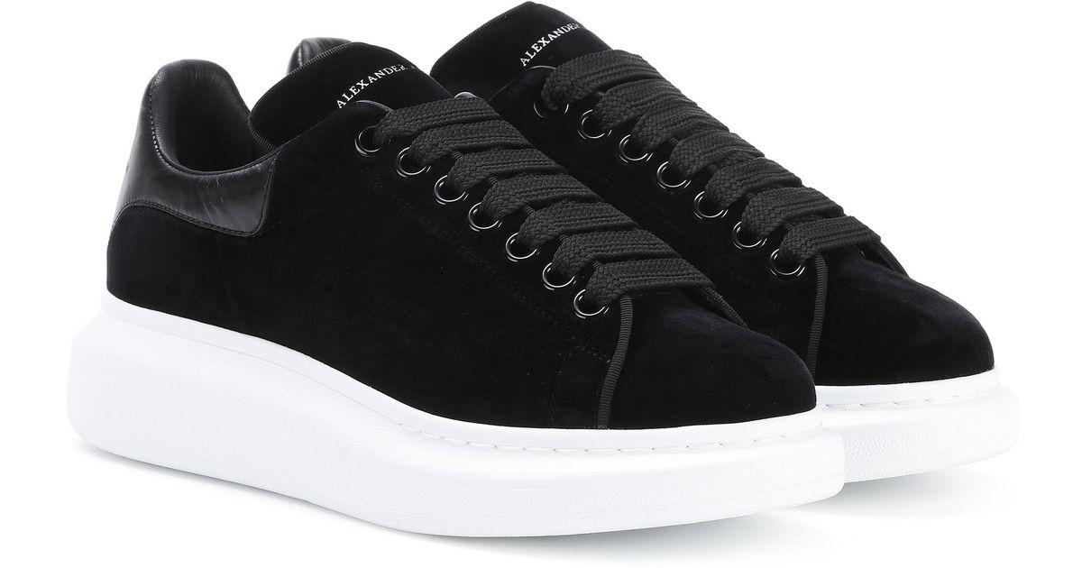100% qualité garantie capture styles classiques Baskets en velours et cuir Alexander McQueen en coloris Black