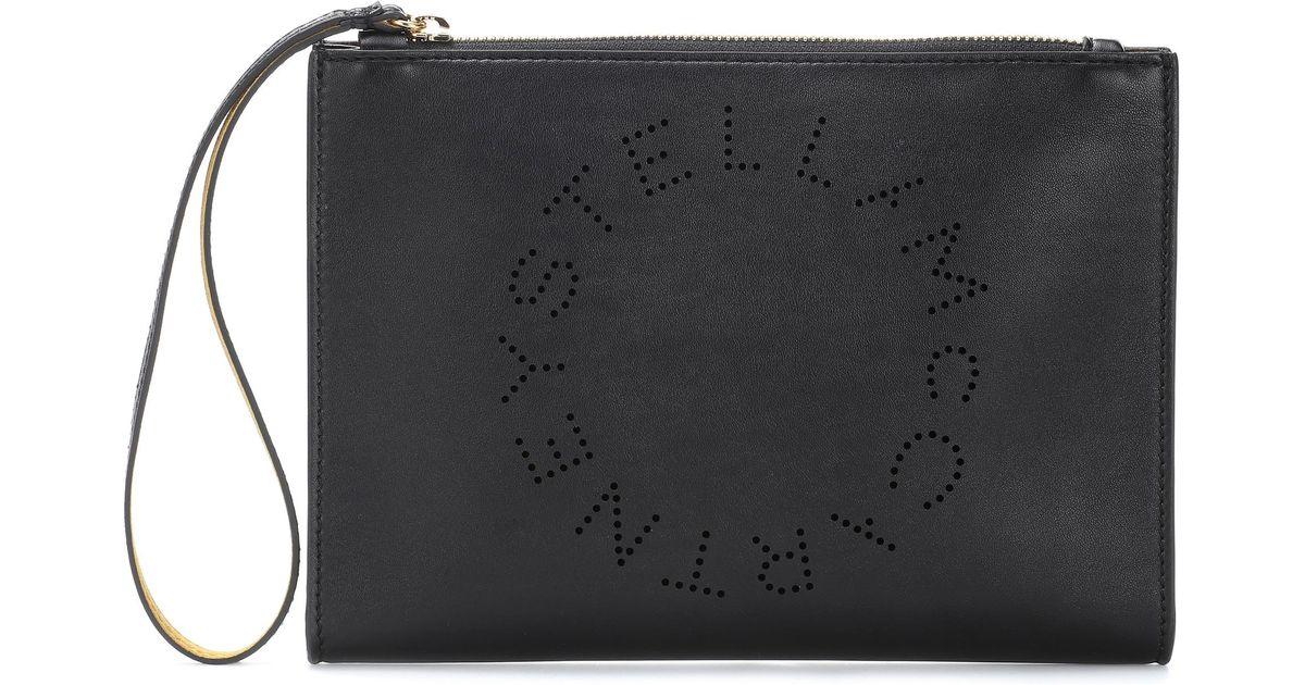 9e3c945198b1 Stella Mccartney Stella Logo Faux Leather Clutch in Black - Lyst