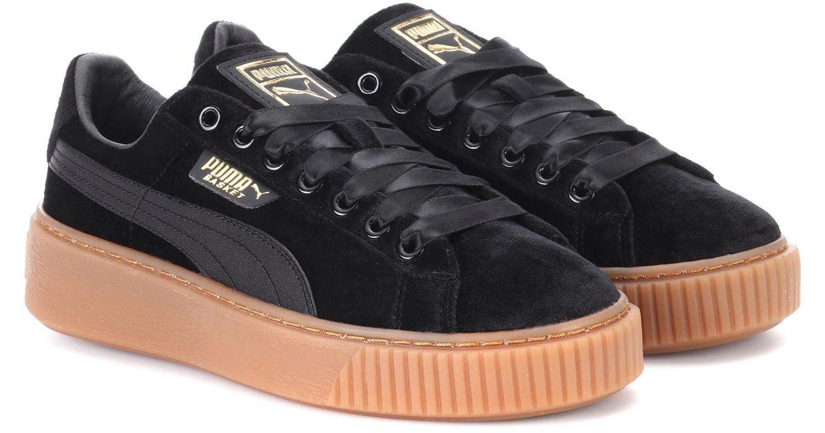 online store 44b51 ddcc1 PUMA Black Basket Platform Velvet Sneakers