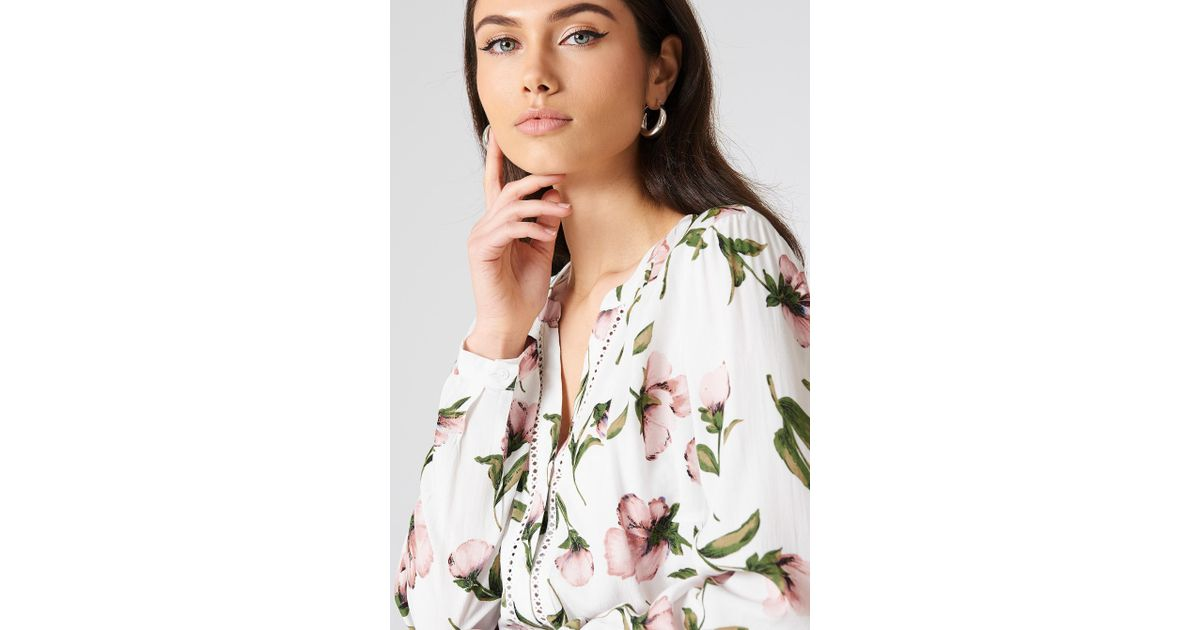 Lyst rutcircle damia flower blouse in white mightylinksfo
