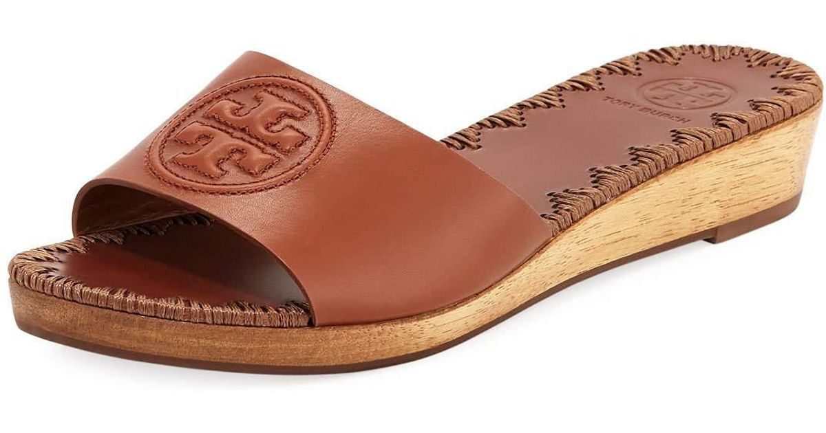 89f1e7c99e7 Lyst - Tory Burch Patty Logo Wedge Slide Sandal in Brown