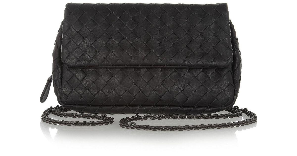 9fa04b0f06 Lyst - Bottega Veneta Messenger Mini Intrecciato Leather Shoulder Bag in  Black