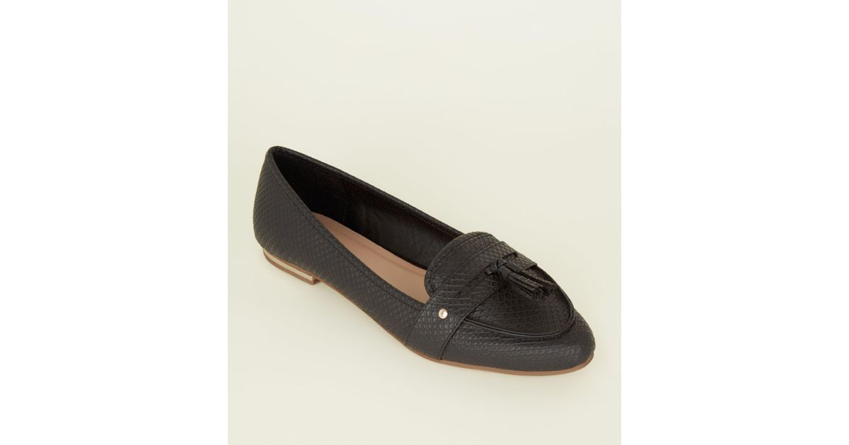 a975901e3ee New Look Black Faux Snakeskin Pointed Tassel Penny Loafers in Black - Lyst
