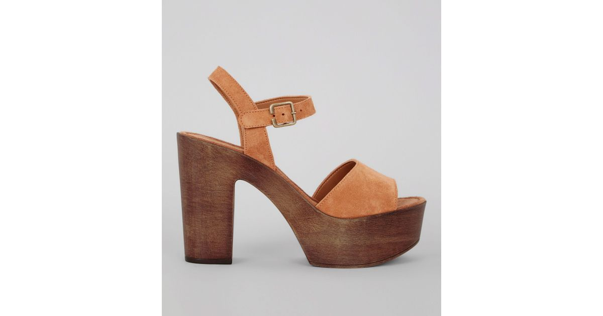 5e1598ce2a8 New Look Tan Suede Wooden Block Heeled Sandals in Brown - Lyst