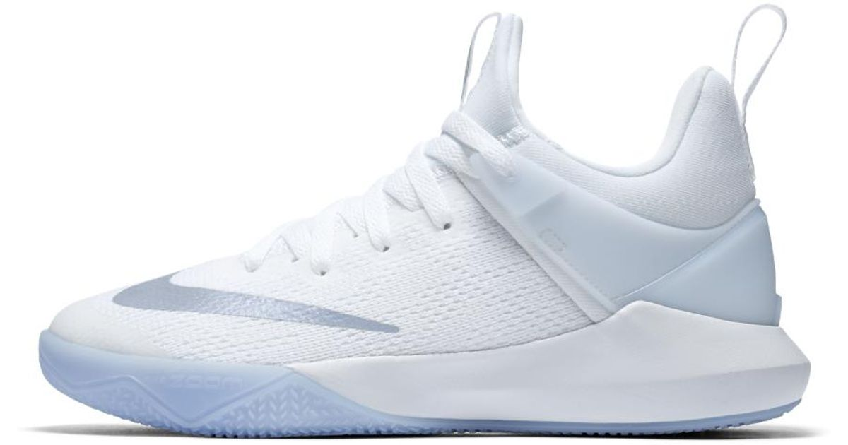 Övergång Vuxenlivet pollinerare  Nike Synthetic Zoom Shift Women's Basketball Shoe in White - Lyst