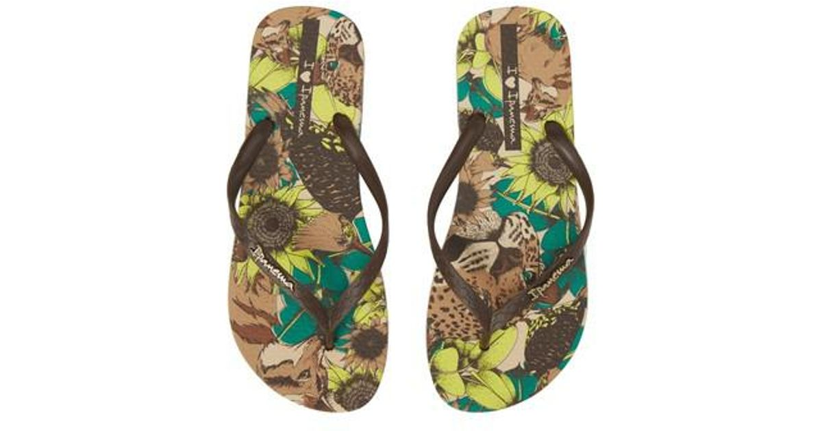 2aed870e2d2d Lyst - Ipanema Beauty Print Flip Flop