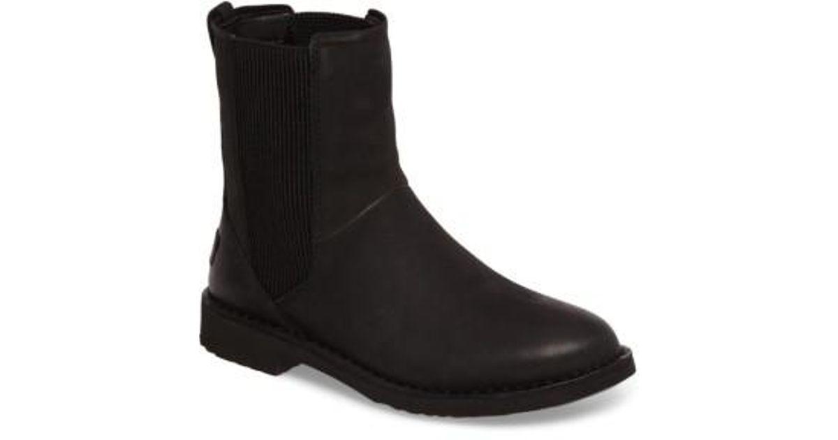 Ugg Larra Boot in Black Nubuck Leather