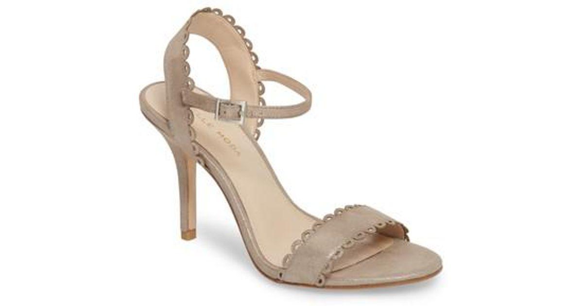 PELLE MODA Women's Karen Scallop Ankle Strap Sandal Pl8YbK