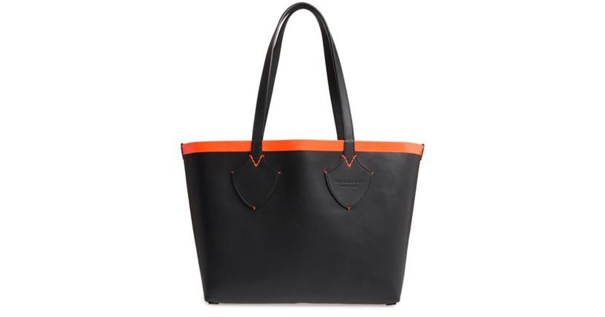6bb8b401bbaa Lyst - Burberry Medium Reversible Leather   Check Canvas Tote - in Black