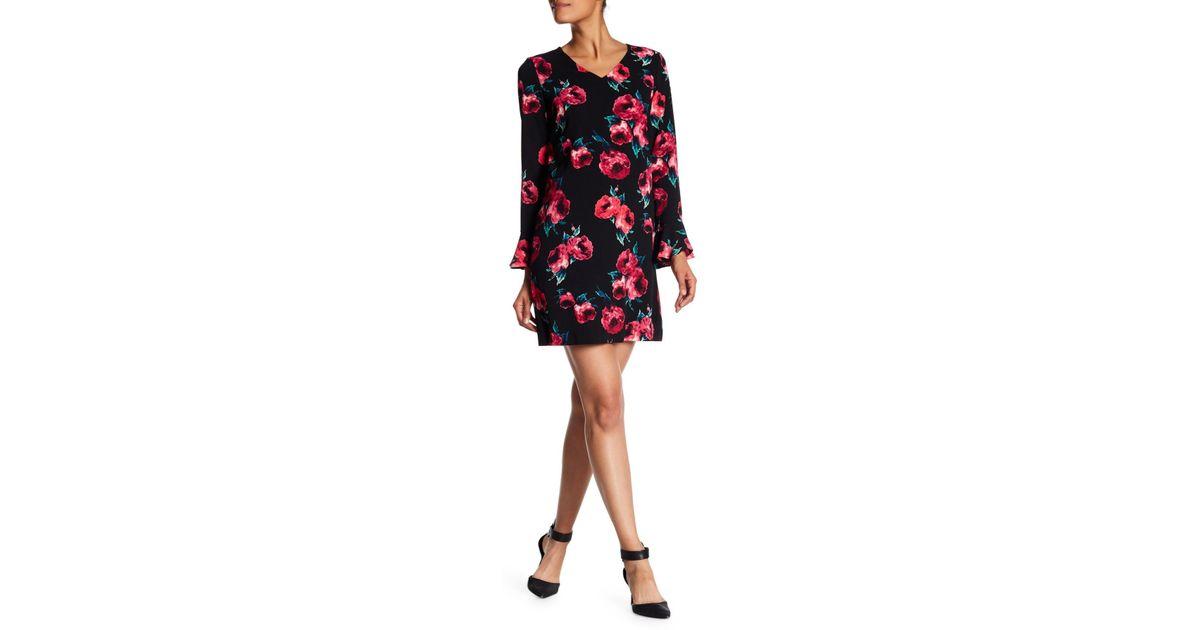 de0b570a1d72 Lyst - Tahari Bell Sleeve Floral Shift Dress in Black