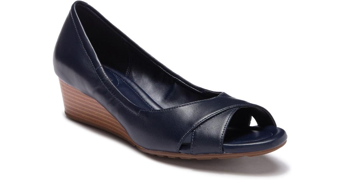 melina criss cross open toe wedge