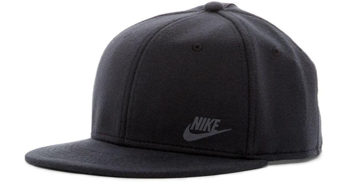 Nike Tech Pack True Snapback Cap in Black for Men - Lyst 4b901bbd3c5