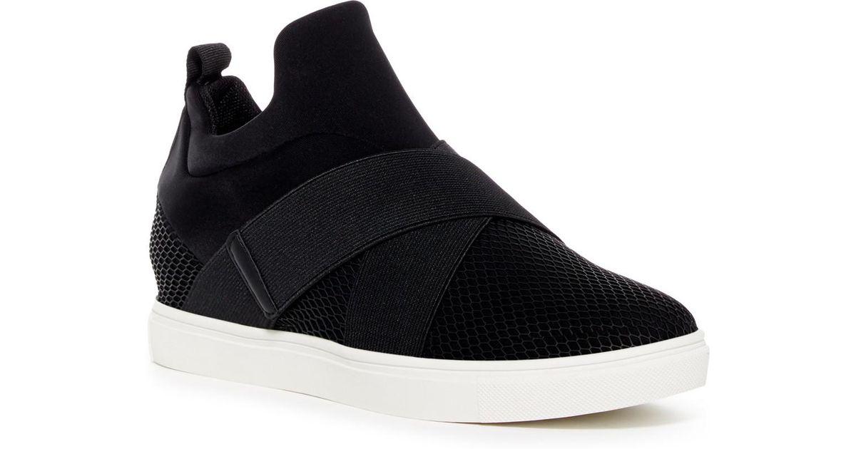 04ff211de33 Steve Madden Black Laynie Sneaker