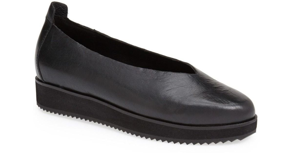 Eileen Fisher Canoe Leather Flat In Black Save 50 Lyst