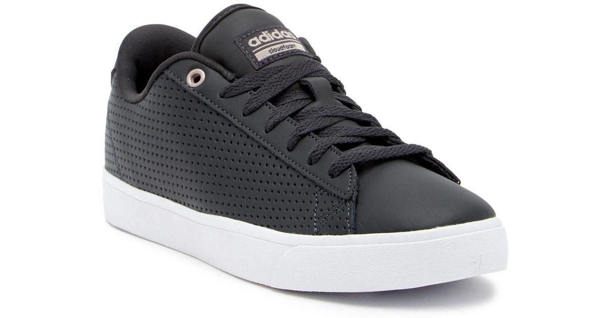 adidas cloudfoam daily qt clean sneaker