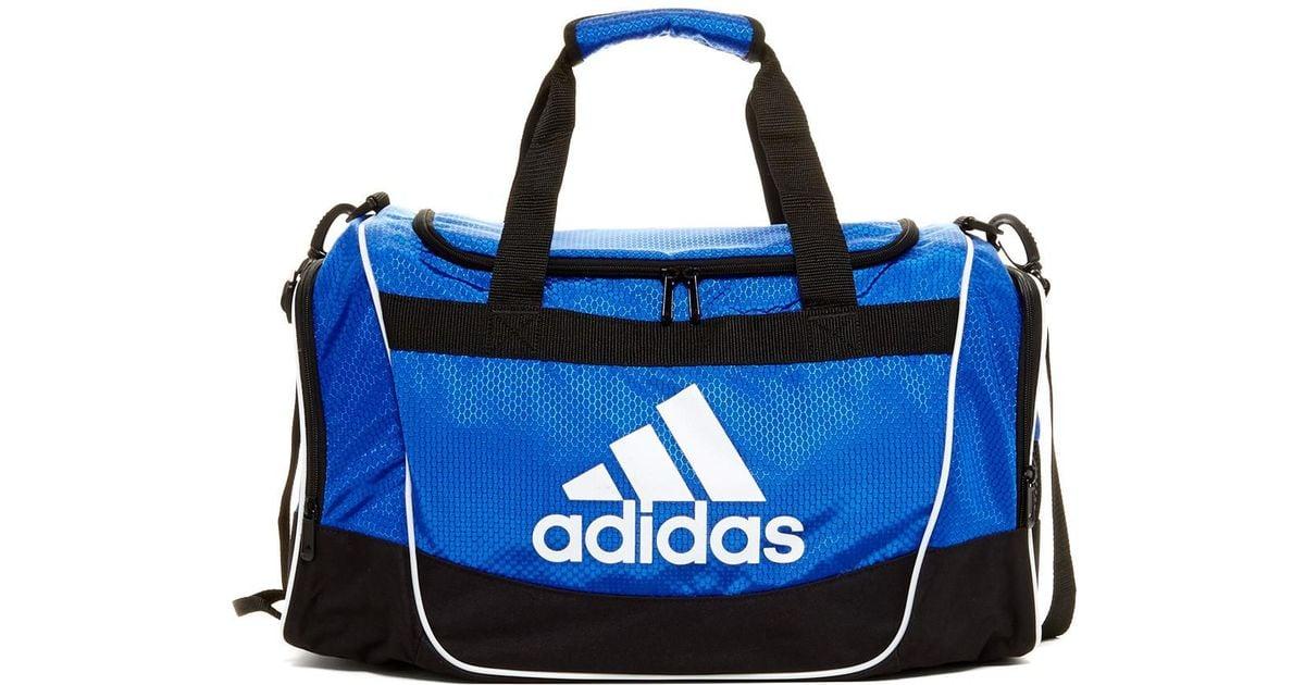 lyst adidas originali defender ii piccola sacca in blu per gli uomini.