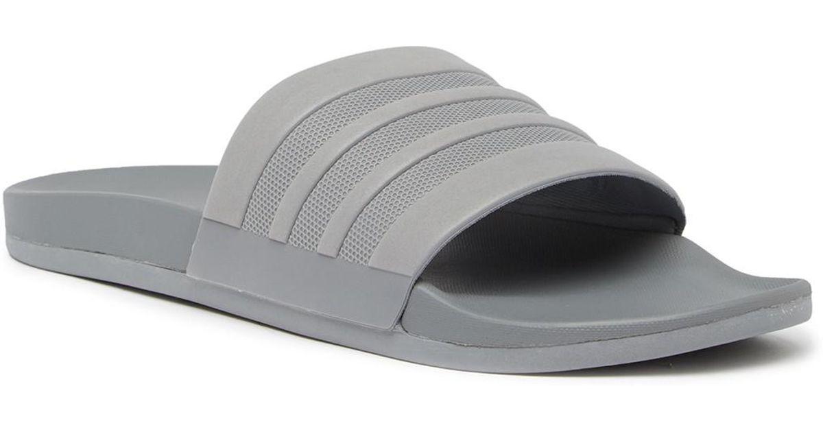 lyst adidas adilette supercloud slide sandalo (uomini) in grigio per gli uomini.