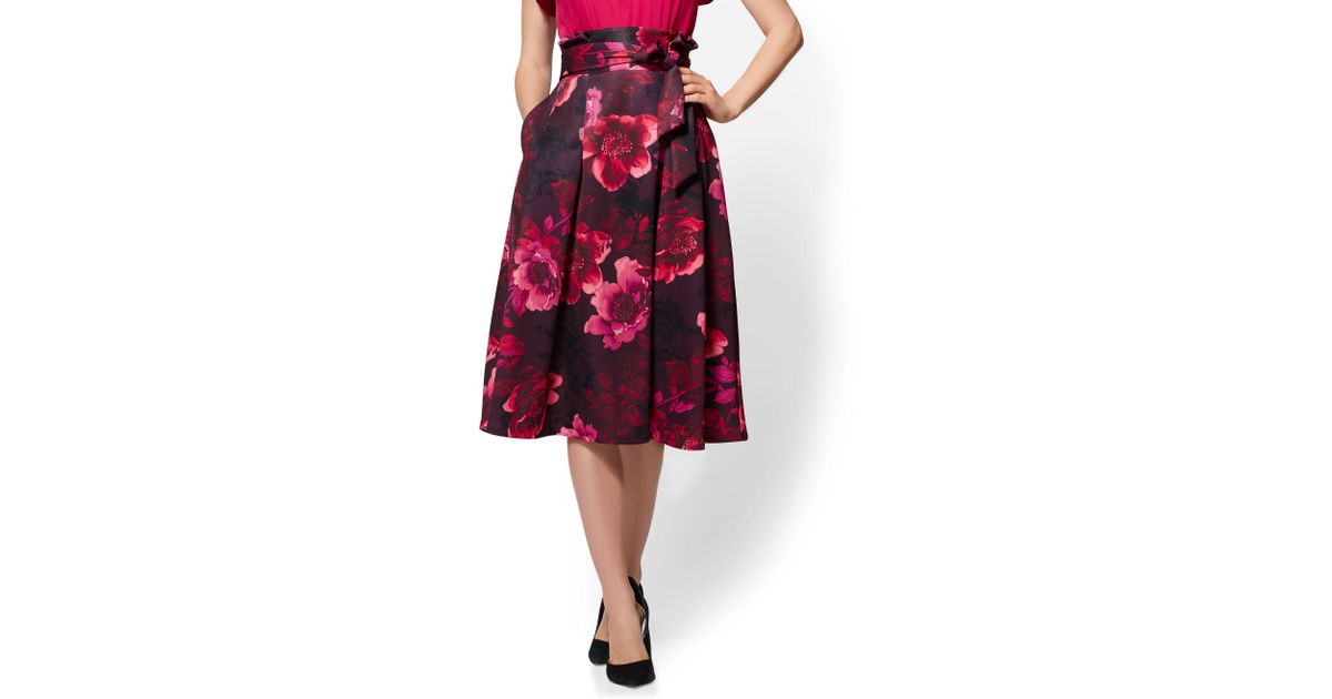 77a76b577587 Lyst - New York & Company Floral Paperbag-waist Pleated Skirt in Red