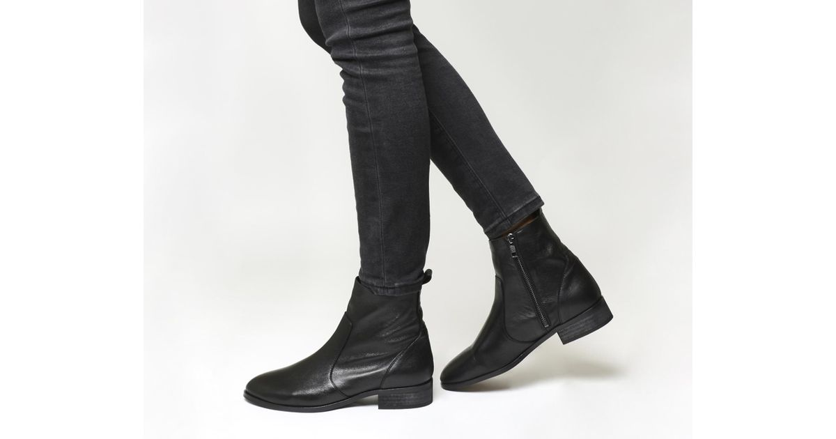 Ashleigh Flat Ankle Boots in Black