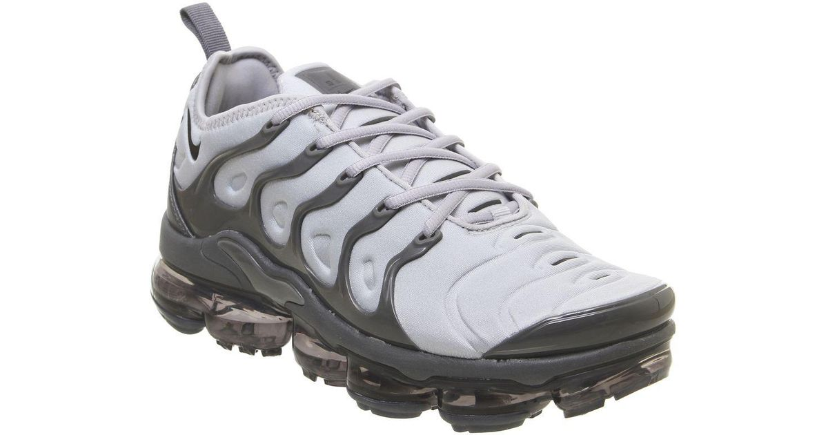 low priced 511b5 6bde3 Nike Gray Air Vapormax Plus Wolf Grey Dark Grey for men