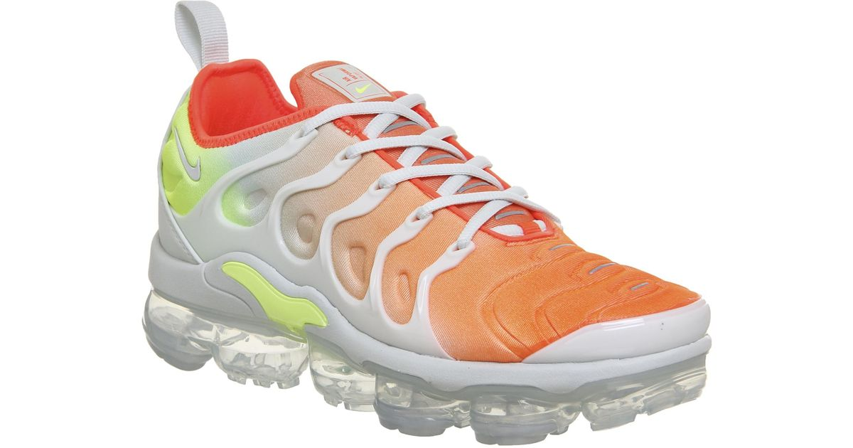 f83caf02cc5dd Nike Air Vapormax Plus Trainers in Gray - Save 29% - Lyst