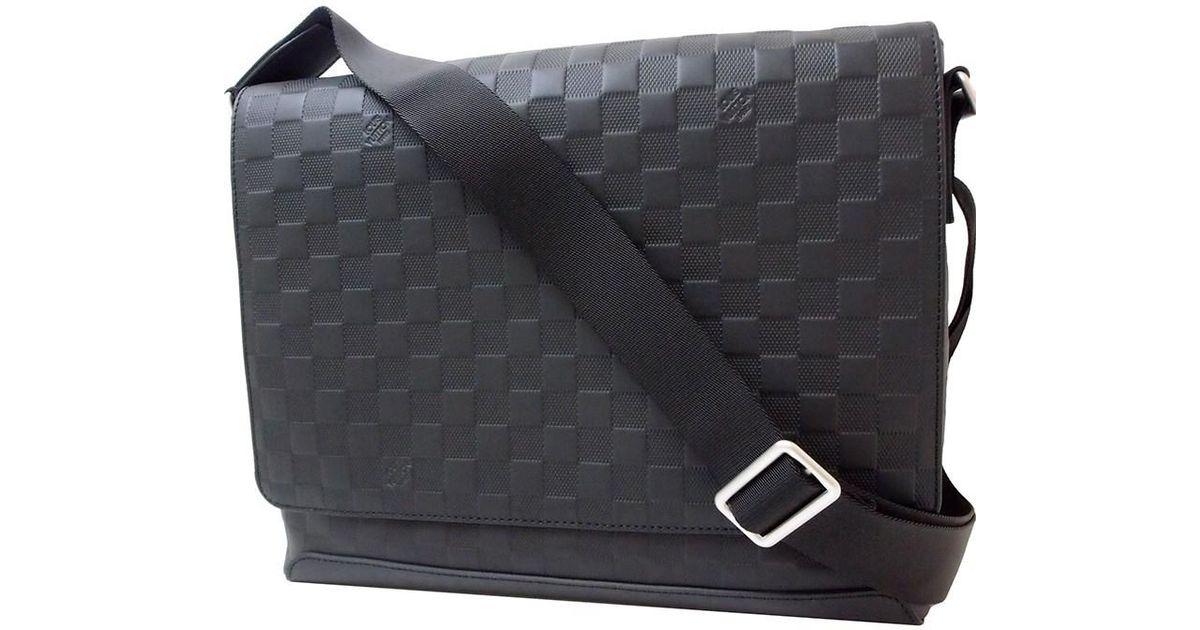 Louis Vuitton District Mm Damier Infini