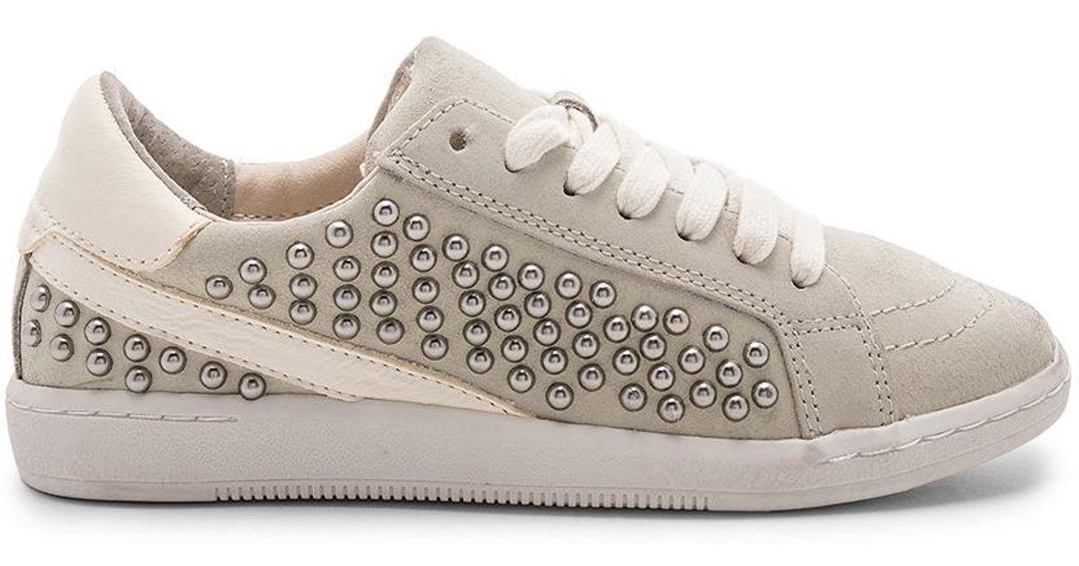 Dolce Vita Leather Nino Sneaker in