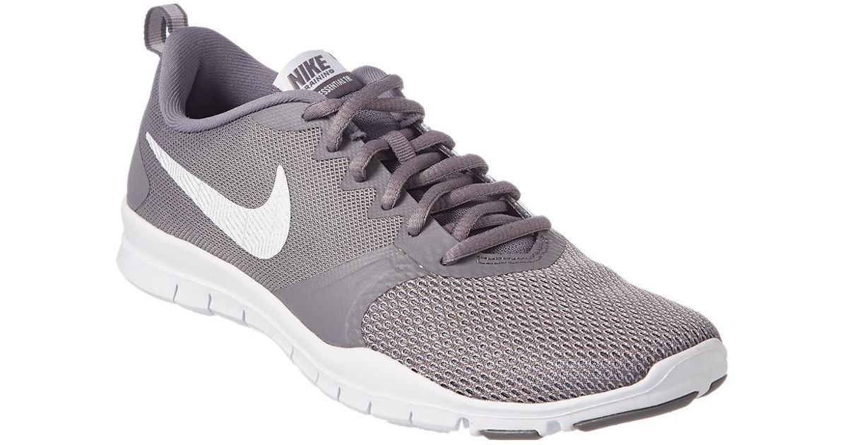 1ca75374e230e Nike Flex Essential Tr in Gray - Lyst