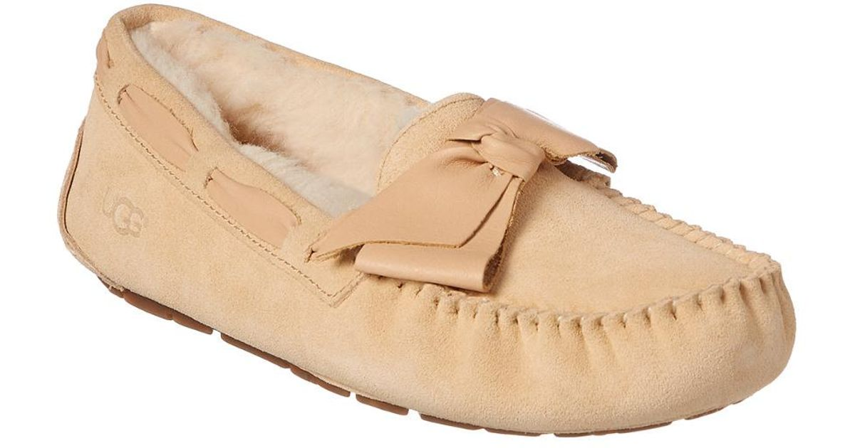 0f2750396 UGG Dakota Leather Bow Slipper in Natural - Lyst