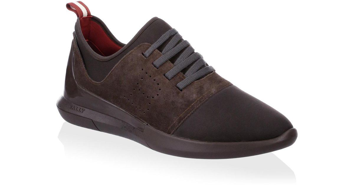 Avro Runner Low-top Sneakers