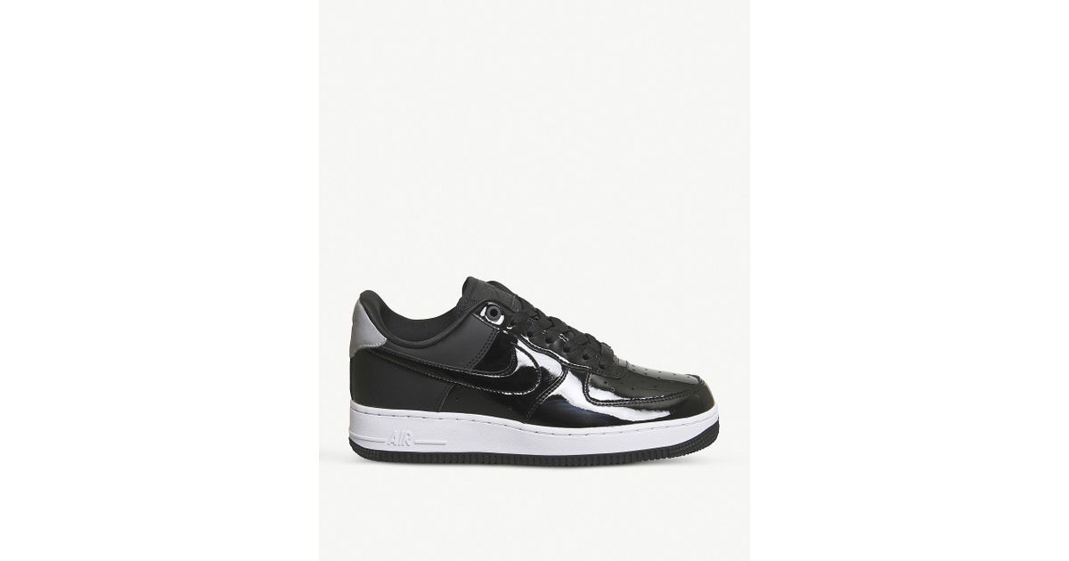 the best attitude 976f8 da924 Nike Air Force 1 07 Patent Leather Trainers in Black - Lyst