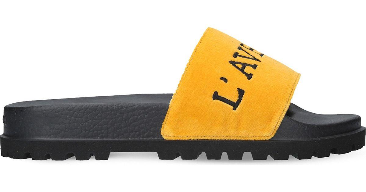 e167a9590 Lyst - Gucci L aveugle Par Amour Velvet Slider Sandals in Yellow for Men