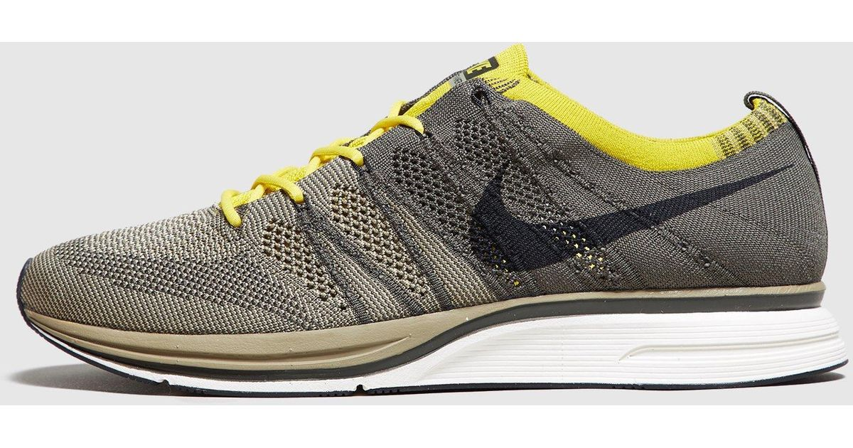 cheap for discount 9be60 4c3be Nike Flyknit Trainer in Green for Men - Lyst