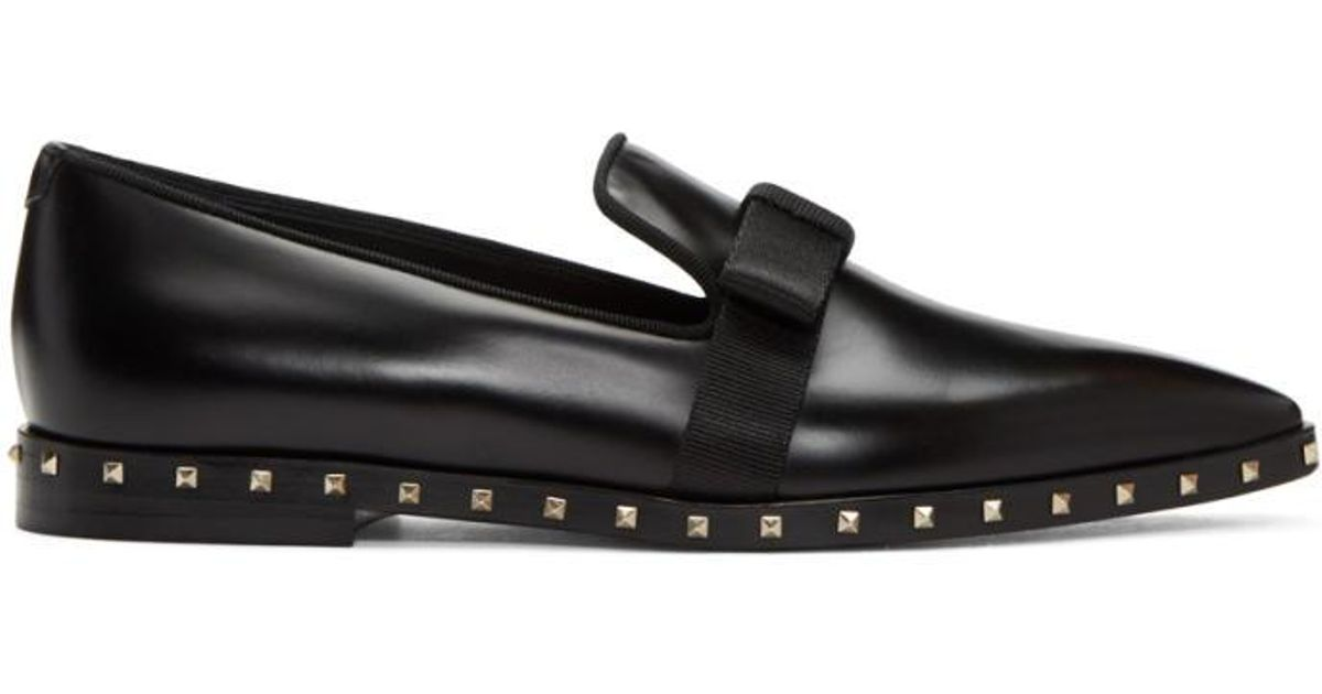 ecad2068a32 Lyst - Valentino Black Soul Stud Bow Loafers in Black