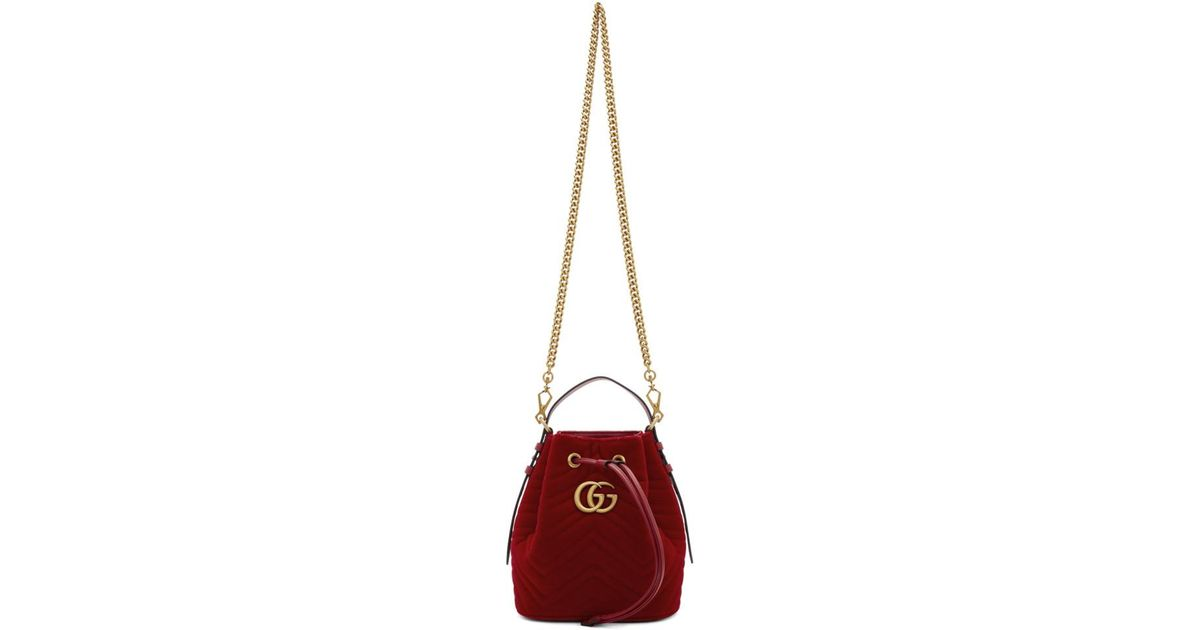 d3c5da097ea3 Gucci Red Velvet GG Marmont 2.0 Bucket Bag in Red - Lyst