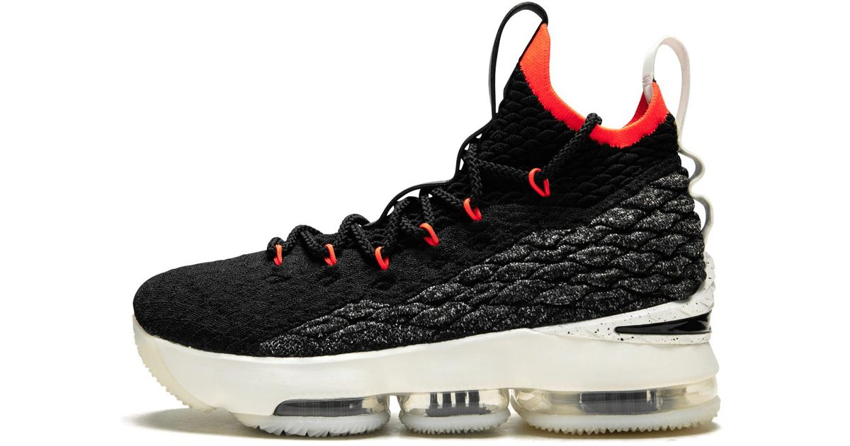 Nike Lebron 15 (gs) in 5.5y (Black) for