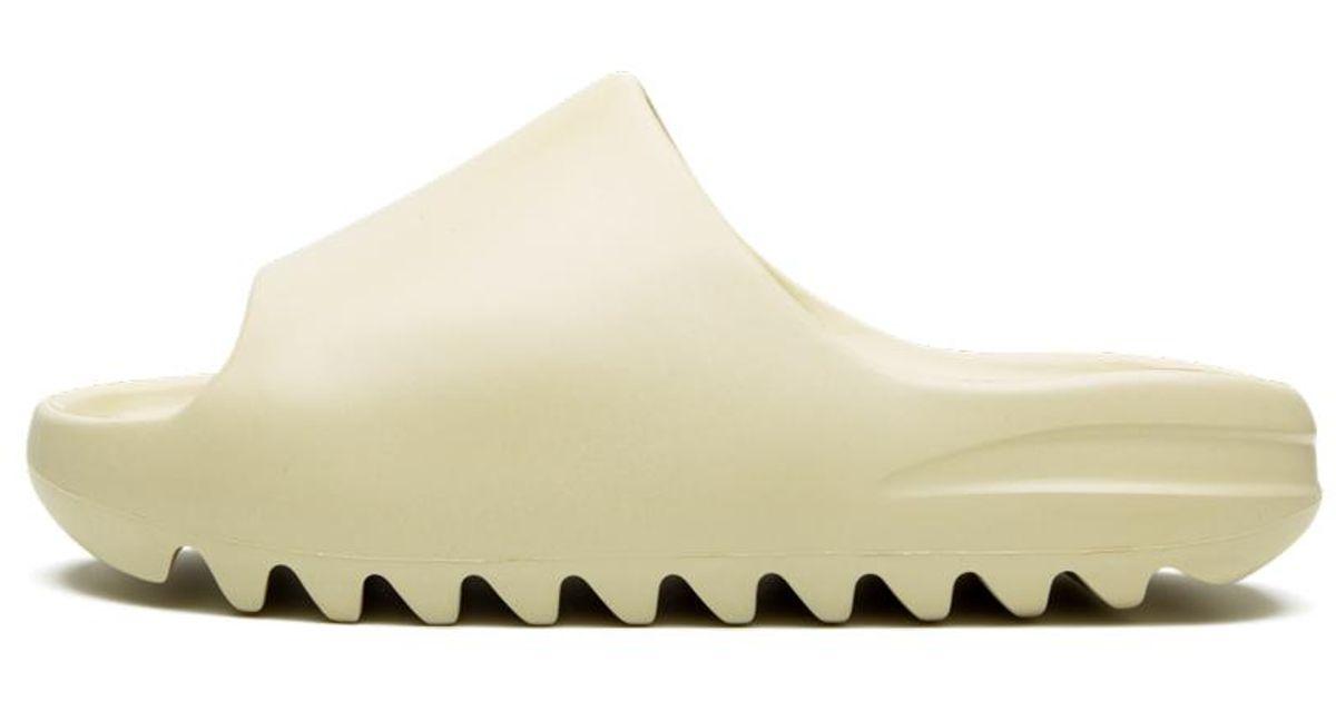 adidas Yeezy Slide 'bone' - Size 4 in