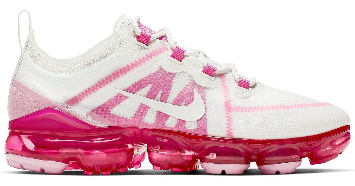 white pink vapormax