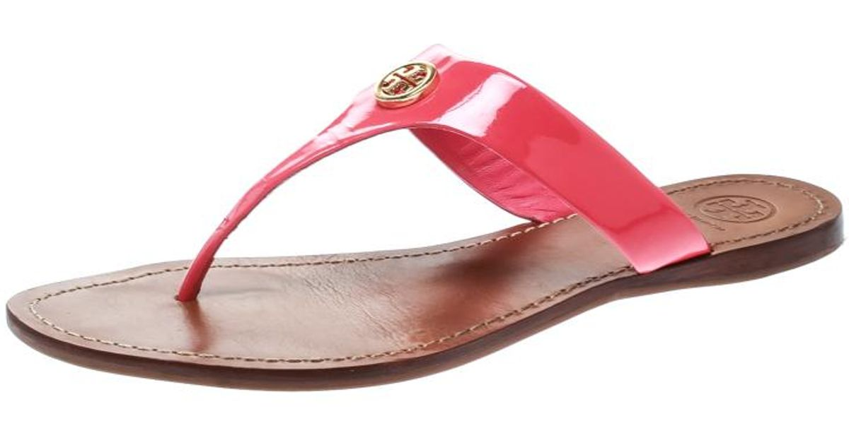 0f97a06f2c32d3 Lyst - Tory Burch Bougainvillea Patent Leather Cameron Flat Thong Sandals  in Pink