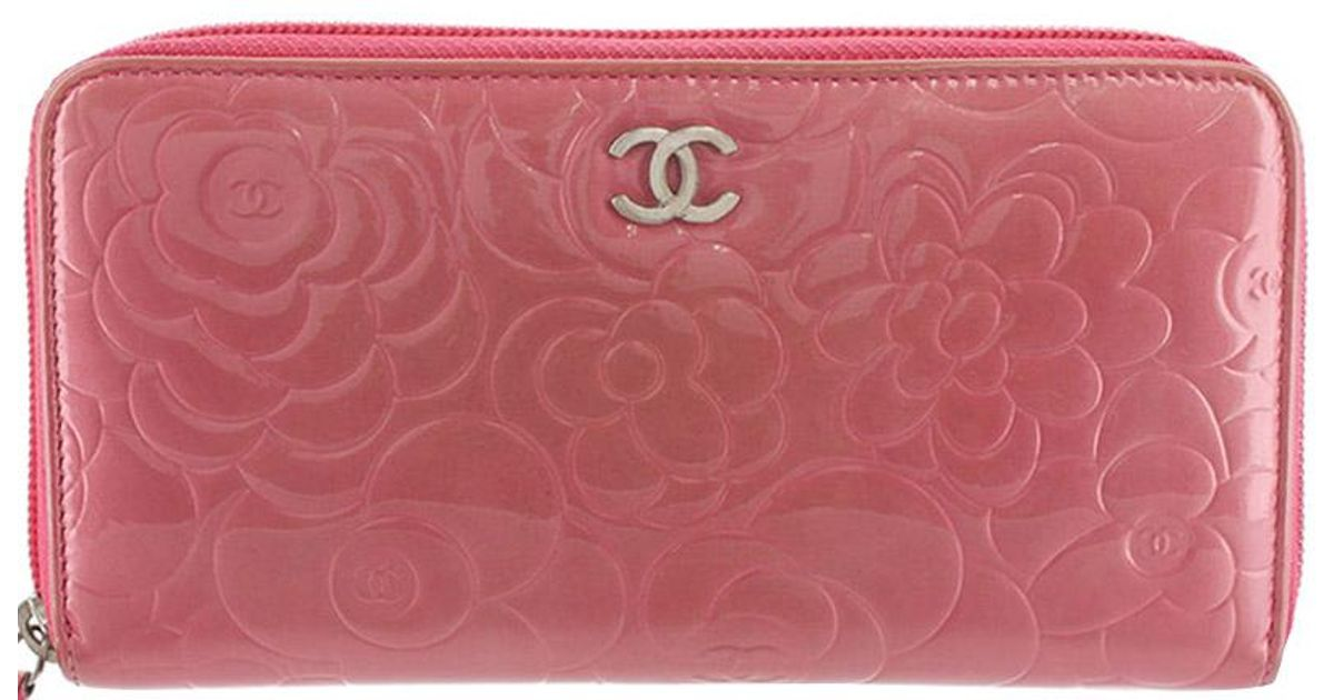 04ffbfe18f4f95 Chanel Camellia Embossed Patent Leather Zip Around Wallet in Pink - Lyst